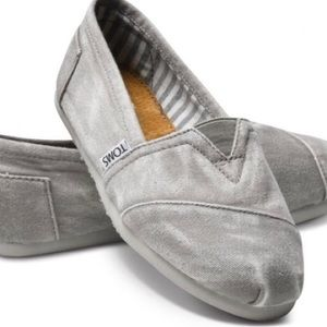 Tom's Classic Canvas Slip-On in Stone Washed Gray